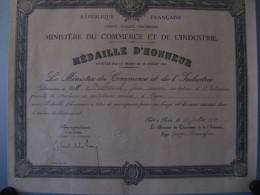 Médaille D'honneur 1929 - Diplômes & Bulletins Scolaires
