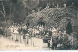 AULUS - Les - BAINS    ( 09 )   La  Buvette  En  1900     ( Les Personnages Sont Peut - être à Identifier  ? .) - Altri Comuni
