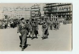 MARSEILLE : Les Goumiers Défilent à Marseille. 2 Scans. Format CPM - Marseille