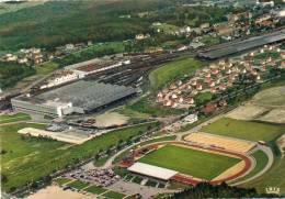 CPSM - VITTEL (88) - Vue Aérienne Du Stade Jean Bouloumie Et De L'Usine D'embouteillage Des Eaux De Vittel En 1970 - Vittel Contrexeville