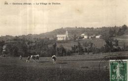 A 2953 - Thollon (74) Le Village   Et Vaches  Dans Une Prairie - Thollon