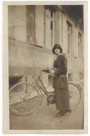 Cpa Carte-photo Femme Et Son Vélo  ((S.1318)) - Altri