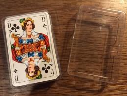 Jeu De 52 Cartes Allemand (F.X. Schmid) Munchen Dans Boite Plastique - Kartenspiele (traditionell)