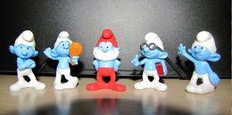 Kinder : Les Smurfs 2 : Grand Schtroumpf, Maladroit, à Lunette, Grognon, Coquet, Avec 5 BPZ - Dessins Animés