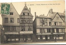 REIMS - Vieilles Maisons De La Place Des Marchés    77 - Reims