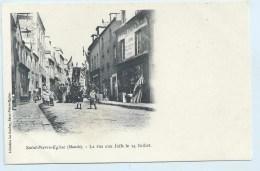 Saint-Pierre-Eglise - La Rue Aux Juifs Le 14 Juillet - Dos Simple - Edit. Librairie Le Gouley - Saint Pierre Eglise