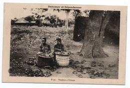 DAHOMEY ET DEPENDANCES - VENDEURS D'AKASSA - Dahomey