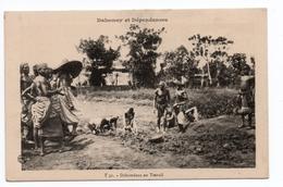 DAHOMEY ET DEPENDANCES - DAHOMEENS AU TRAVAIL - Dahomey