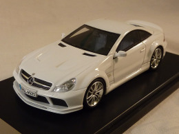Absolute Hot 450850200, Mercedes SL65 AMG Black Series, 2008, 1:43 - Voitures, Camions, Bus