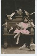 ENFANTS - LITTLE GIRL - MAEDCHEN - Jolie Carte Fantaisie Portrait Fillette Avec Oiseaux - Portraits