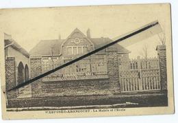 CPA   - Warfusée Abancourt  - La Mairie Et L'Ecole - Other Municipalities