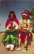 Pueblo Indian Maiden And Father - Carte Non Circulée - Indiens De L'Amerique Du Nord