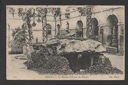 DF / 10 AUBE / TROYES / AU MUSÉE LE DOLMEN DE FRÉCUT / CIRCULÉE EN 1917 - Troyes
