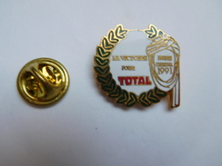 Beau Pin's , Auto , Rallye Paris Dakar 1991 , Carburant Essence Total - Rally