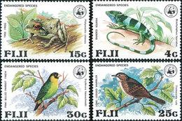 W30 WWF W.W.F. Fiji Bird / Frog / Reptile MNH Perf Stamps 1979 - W.W.F.