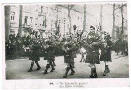 """Oude Postkaart """"schotse Pijpers"""" Les Fifres écossais, Scottish Pipers, Pipes, Doedelzak (pk32042) - Musique"""
