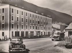 CP  73  LANSLEBOURG -MONT -CENIS   Hotel International -balthazard ( Pompes à Essence - Beau  Plan Voiture Et  Autobus - France