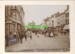 """MECHELEN MALINES Zeldzame Albumine Foto """" VEEL VOLK OP DE MARKT """" Rond 1900-1910  Trenkler & Co - Lieux"""