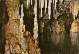 Grotte Von Mani - Greece