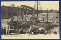 29 NEVEZ  PORT-MANECH Le Port ; Chalutiers, Canots - Animée - Névez