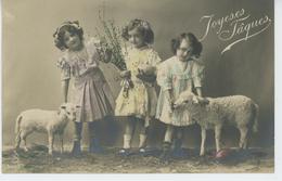 """ENFANTS - LITTLE GIRL - MAEDCHEN - Jolie Carte Fantaisie Fillettes Et Agneaux De """"Joyeuses Pâques """" - Pâques"""