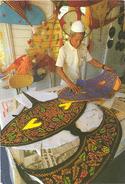 "Maleisie , Malaya, Malaysia,  A Master ""wau""(kite) Maker At Work. - Maleisië"