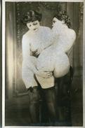 2 JEUNES FEMMES Dans LEUR INTIMITE - DOUCE INTRODUCTION - - Nus Adultes (< 1960)