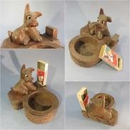 ~ CHIEN PYROGENE EN BOIS SCULPTE - Allumette Animal Briquet Tabac Sculpture Art Populaire - Pyrogènes