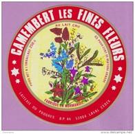 étiquette Fromage °_ Camembert Au Lait Cru - Les Fines Fleurs . 53 - Laval - 11 Cm ° NEUVE - Cheese