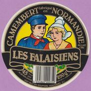 étiquette Fromage °_ Camembert - Les Falaisiens Vallée D'Auge . 61 - 11 Cm ° NEUVE - Cheese