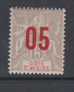 Cote D´Ivoire N° 36  XX Type Groupe Surchargé 05 Sur 15 C.  Gris, Gomme Tropicale Sinon TB