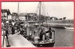 44 LE CROISIC - Le Port Et La Plage De L'Aiguillon - Le Croisic