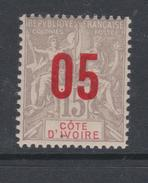 Cote D´Ivoire N° 36  X Type Groupe Surchargé 05 Sur 15 C.  Gris, Trace De Charnière  Sinon  TB