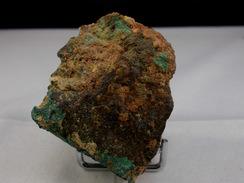 MALACHITE  ET DIVERS OXYDES DE CUIVRE SUR MINERAI 4,5 X 4 CM CHESSY - Mineralien