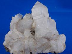QUARTZ  LONG FUT LAITEUX 4,5 X 4,5 CM SAVOIE - Minerali