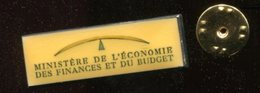 Pin´s - Ministère De L'économie Des Finances Et Du Budget - Logo - Administrations