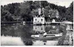 28 JOUY Cpsm L´Eure Au Moulin De La Roche  Animée ,pêcheur - Jouy