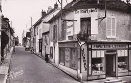 CARTE POSTALE   DONNEMARIE EN MONTOIS 77  Rue De La Porte De Provins - France