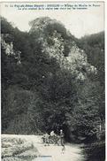 CPA - 63 - SINGLES - Rocher Du Moulin De Perret, Le Plus Original De La Région Très Visité Par Les Touristes - - France