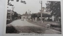 Berd Huis - Entrée Du Bourg - France