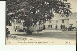 Losquenolé  29   L'Arbre De La Liberté Et La Place  Tres Tres Animée_Debitant De Boissons Et Café-Tabac Et Attelage Char - Francia