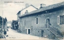 15 Roumégoux - Route Du Rouget - Aubergiste Et Forgeron - Chien - Animée - Bar - Francia