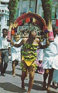 ASIE----SINGAPORE---KEVADA CARRYING HINDU DEVOTEE--voir 2 Scans - Singapour