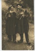 L'AUVERGNE HISTORIQUE ET PITTORESQUE - Deux Chanteurs Auvergnats - Auvergne Types D'Auvergne