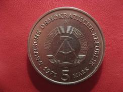 Allemagne République Démocratique - 5 Mark 1971 Porte De Brandebourg 2659 - [ 6] 1949-1990 : RDA - Rép. Démo. Allemande