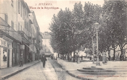 83 - Hyères - Place De La République Animée -(  Coiffeur ) - Hyeres