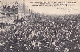TROYES  Manifestation Des VIGNERONS Champenois   ( Plan Animé ) - Troyes