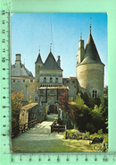 CPM, LA ROCHEPOT: Le Château, Le Chatelet Et Le Pont-Levis - France