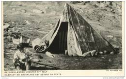 Habitant Du Groenland Est Devant Sa Tente .  SUPERBE HELIOGRAVURE GRISEE . - Groenlandia
