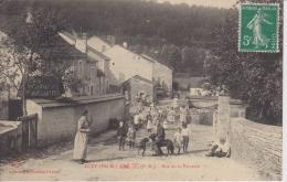HAUTE MARNE - LUZY  - Rue De La Verrerie ( - Timbre à Date De 1913  - Grosse Animation - Carte RARE) - Sonstige Gemeinden